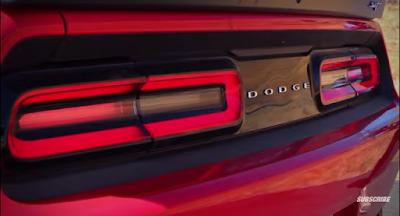Απολαύστε ένα Dodge Challenger SRT Hellcat να driftάρει στα βουνά...