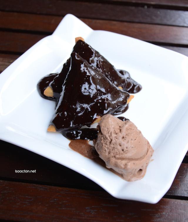 Chocolate Samosa - RM18
