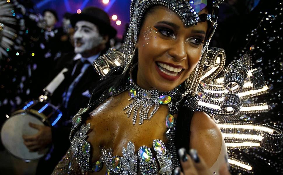 Destaque da Beija-Flor, no primeiro dia do Carnaval na Sapucaí, no Rio