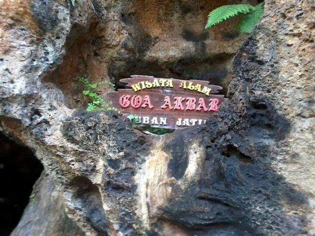 Bebatuan di Wisata Alam Goa Akbar Tuban.