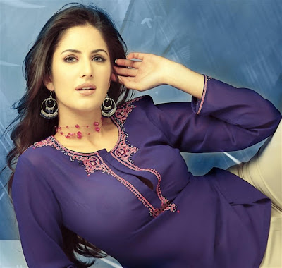 Katrina Kaif First Movie Boom Hot Wallpaper Family PHotos Images Blue ...