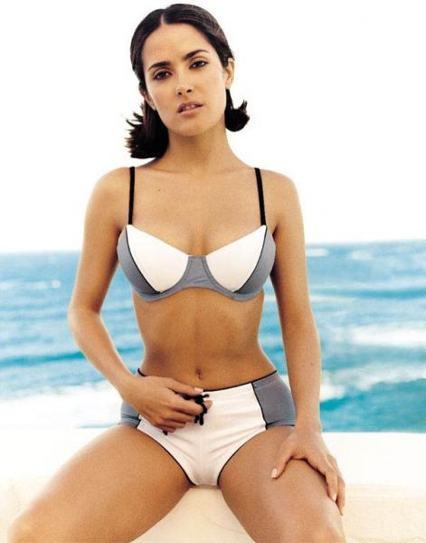salma_hayek_bikini_wallpaper_Fun_Hungama