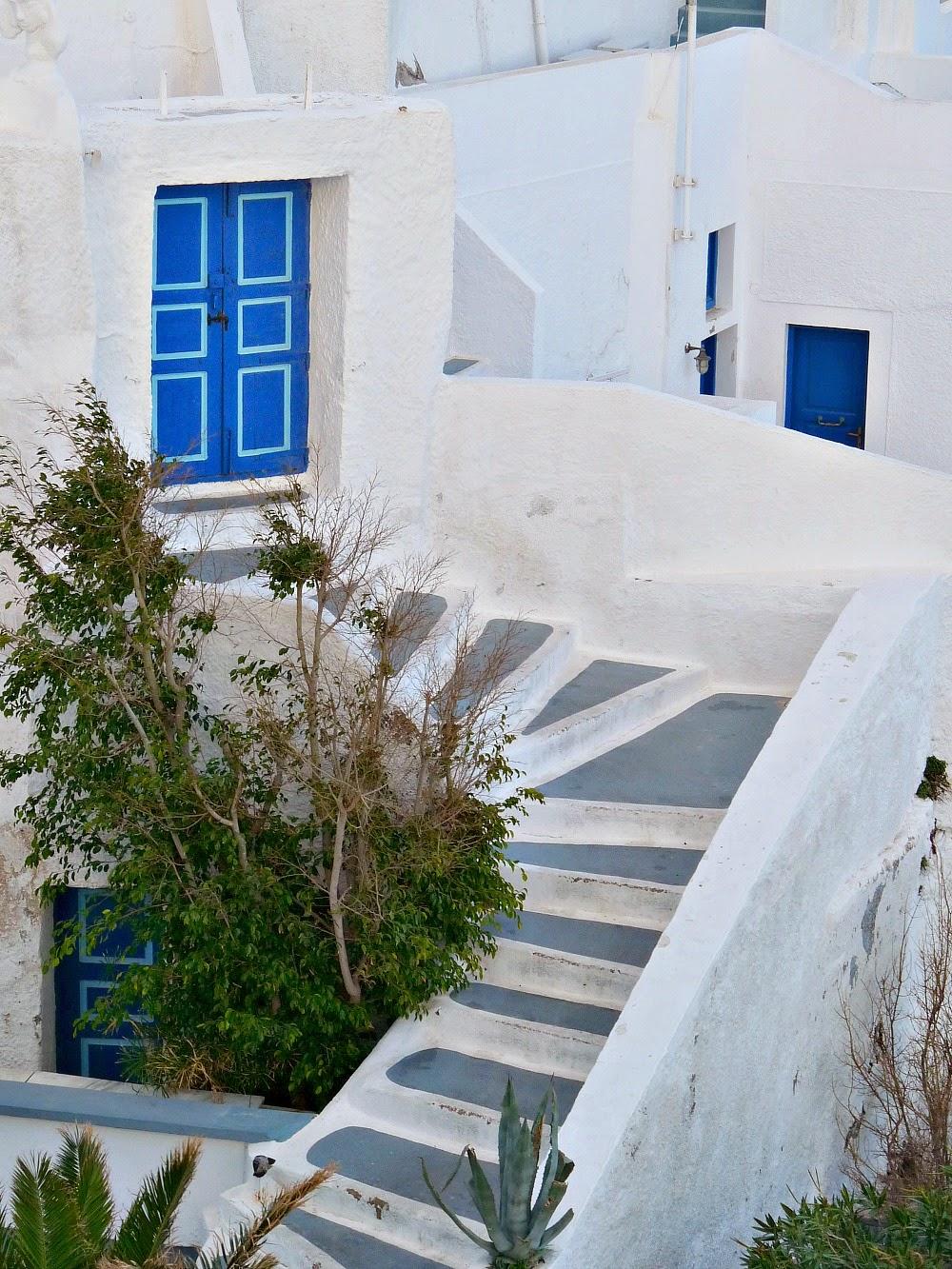 http://2.bp.blogspot.com/-w-udB60NtzY/VQxx8LoO9wI/AAAAAAAAZwY/cmYdvr8S5M4/s1600/Santorini%2BDoors.jpg