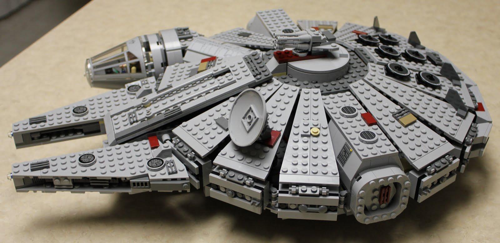 Lego Star Wars Millennium Falcon 2004 Lego star wars millennium