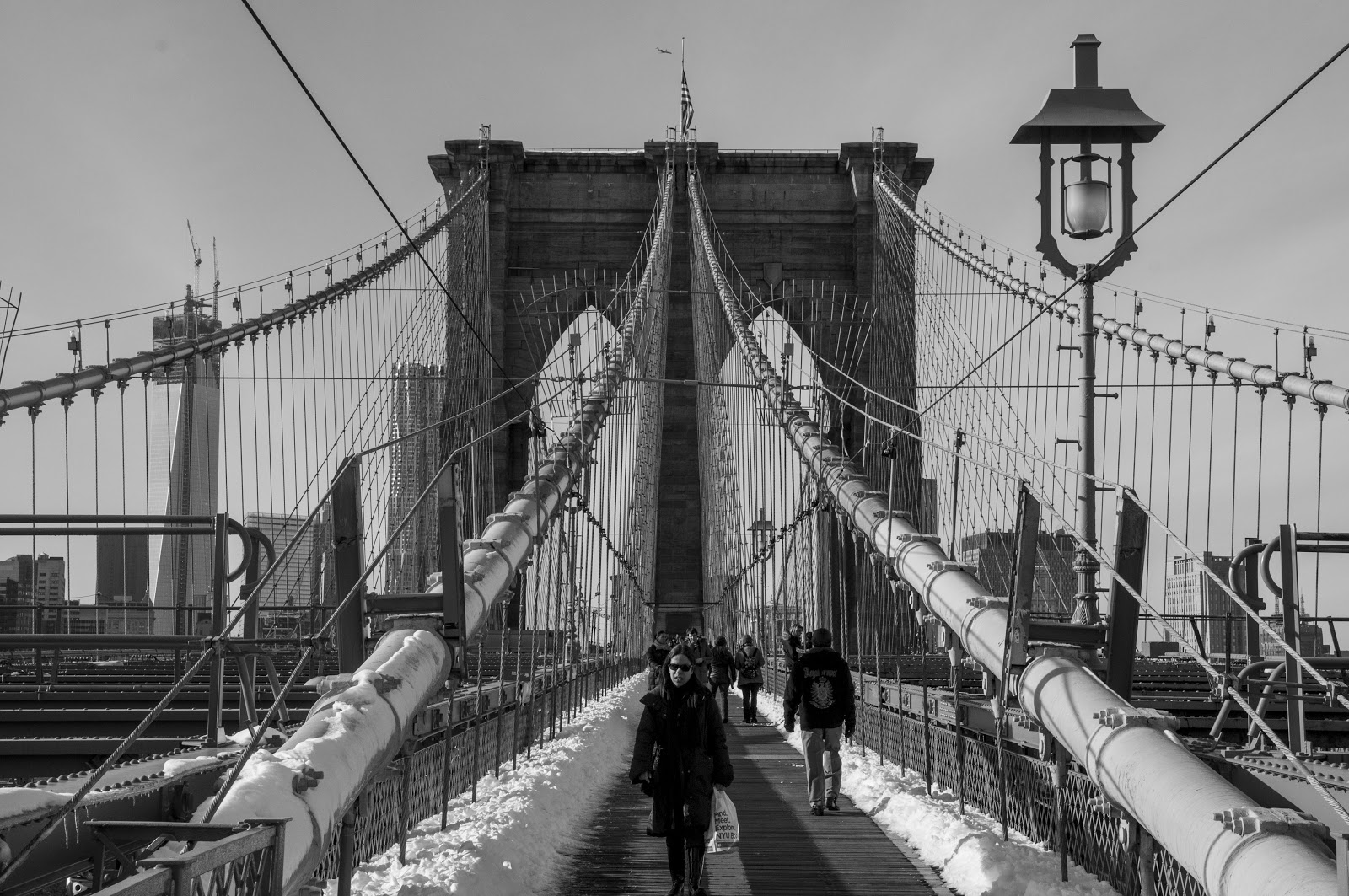 LIGERAMENTE DESENFOCADOS: Brooklyn Bridge by Carlos