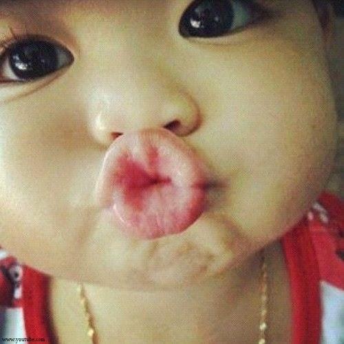Joli Photo bébé bisous