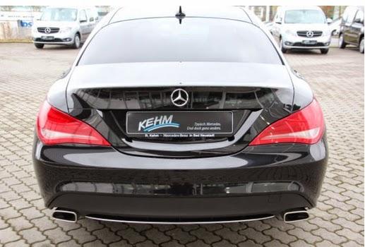 Mercedes-Benz 250 Kosmosschwarz