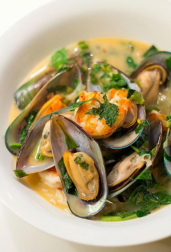 [Vietnamese Recipes] Vietnamese Mussels & Prawns in Coconut