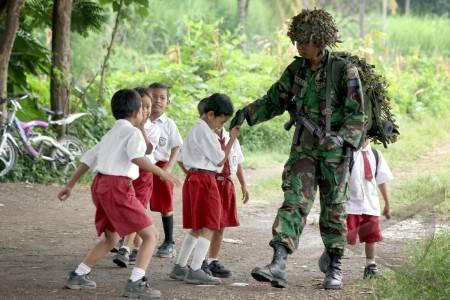 Anggota TNI Harus Merakyat