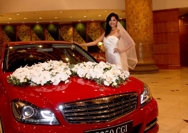 Xe cưới Mercedes C250 màu đỏ