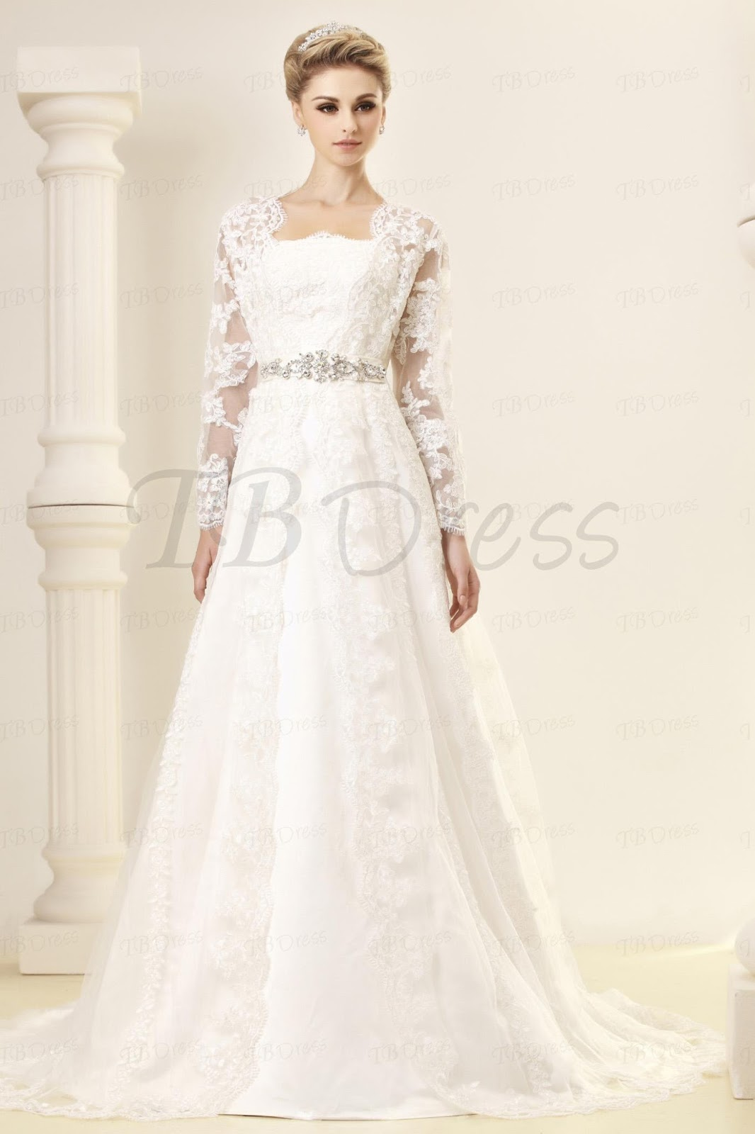 http://www.tbdress.com/product/Gorgeous-A-Line-Princess-Strapless-Chapel-Embroidery-Dashas-Wedding-Dress-9690787.html