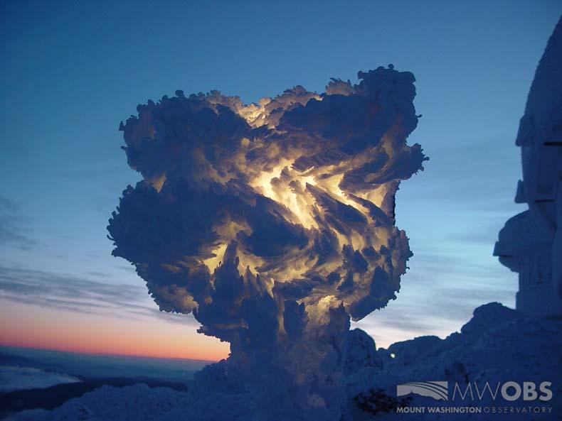 Imagen del día: Lámpara de nieve sobre el monte Washington