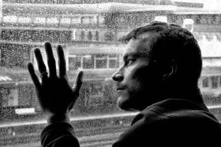 homem triste - sad man - chuva - homem na chuva conto sobre chuva