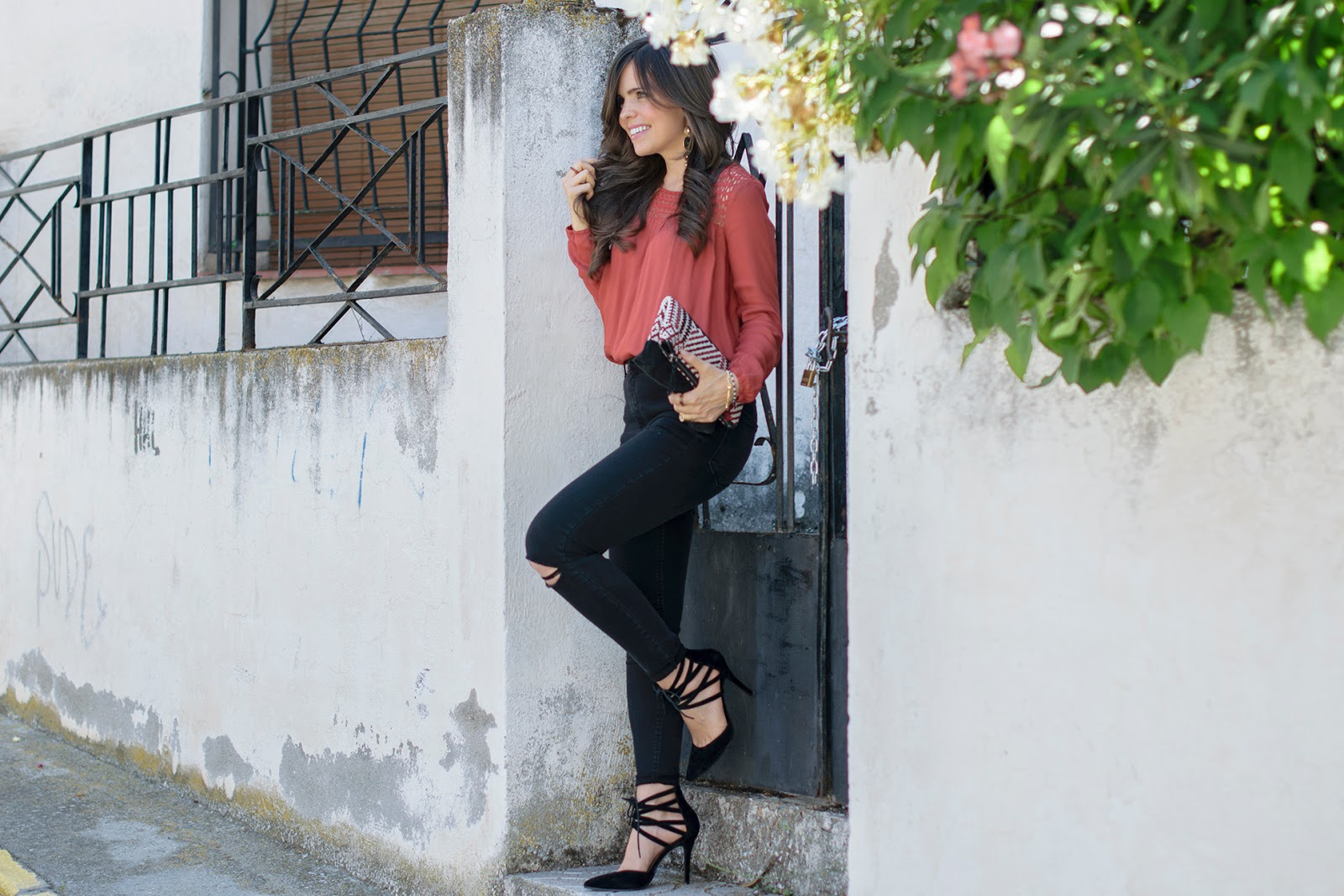 Look boho chic con lace up
