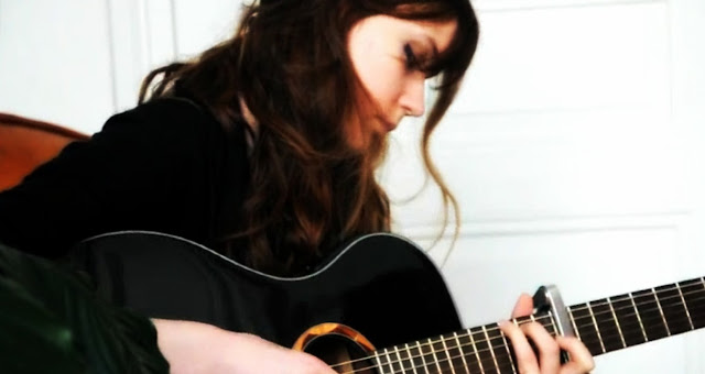 Ladylike Lily en session acoustique
