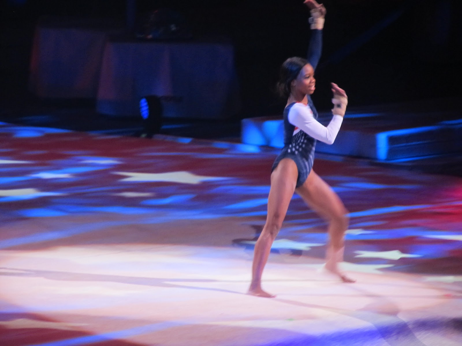gabby douglas floor routine - photo #17