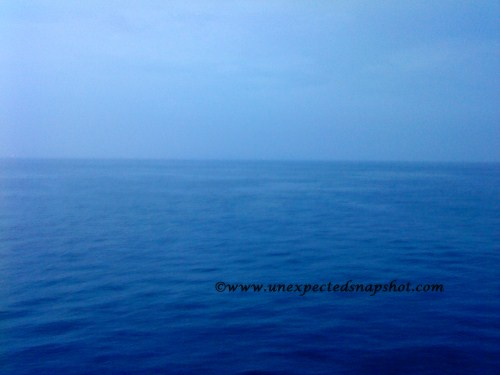 Horizon line at sunda strait in the morning