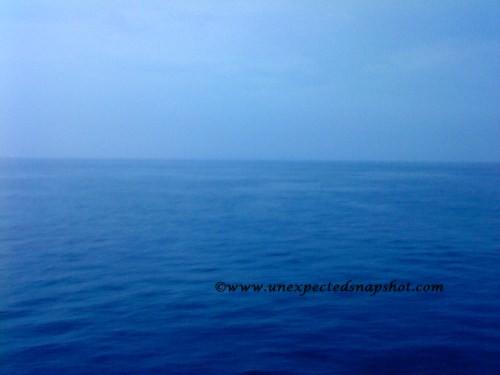 Horizon line at sunda strait in the morning