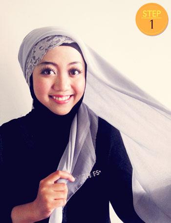 Cara+Memakai+Jilbab+Paris+Segi+Empat+Simple+1.jpg