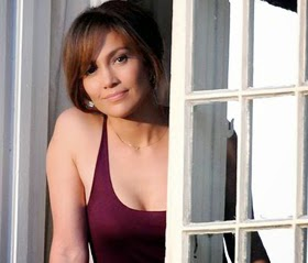 Jennifer Lopez dalam film The Boy Next Door