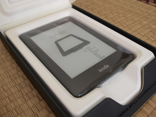 Amazon Kindle Paperwhite 電子書閱讀器開箱