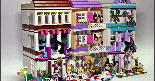 Friends Bricks: Music Store and Food Market Modulars in a row