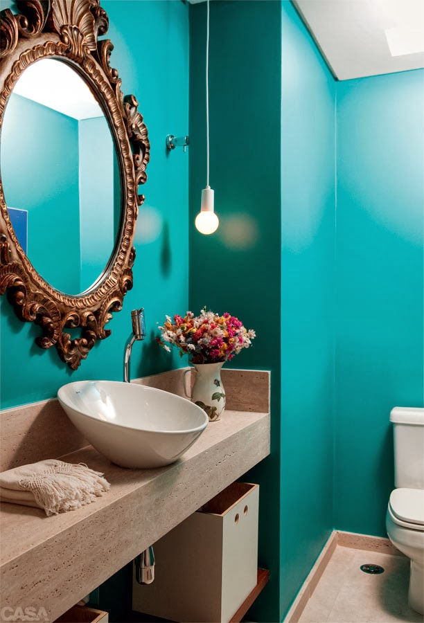 decoracao do lavabo:Lavabo com parede azul tiffany e espelho estilo vitoriano! Um chame o