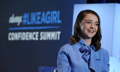Maisie Williams, a Arya Stark da série de TV Game of Thrones discursa em apoio às garotas