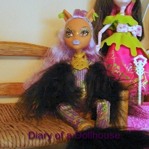 Clawdeen Wolf Ghouls Rule Doll