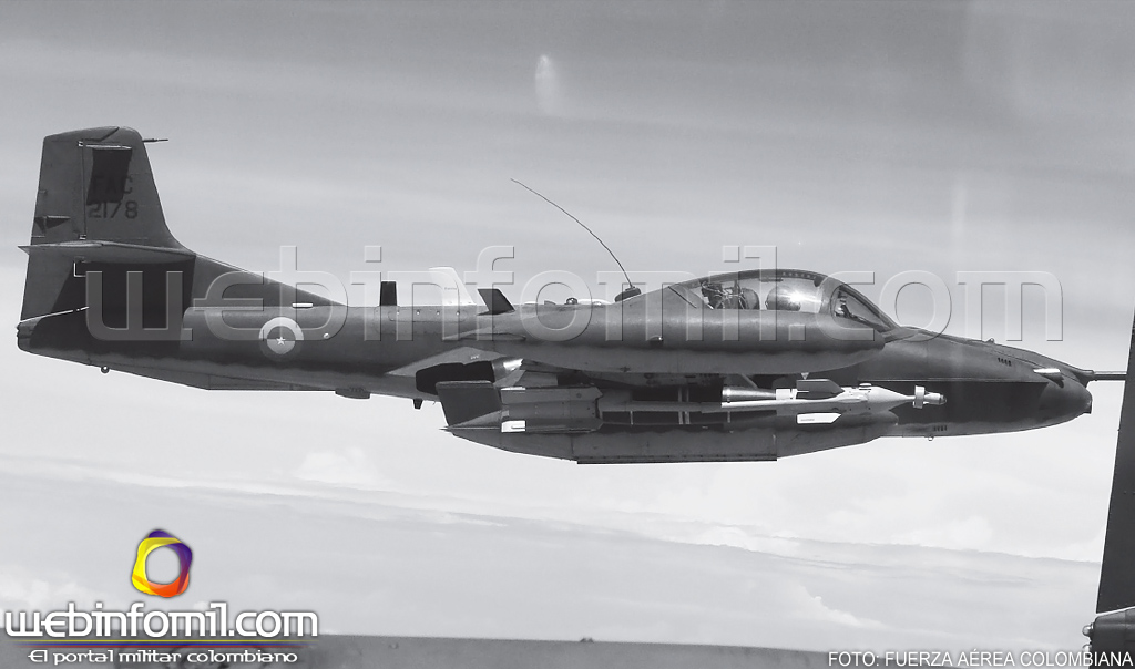 Colombia  - Página 6 A-37B+Dragonfly+Fuerza+A%C3%A9rea+Colombiana+GBU-12+LGB