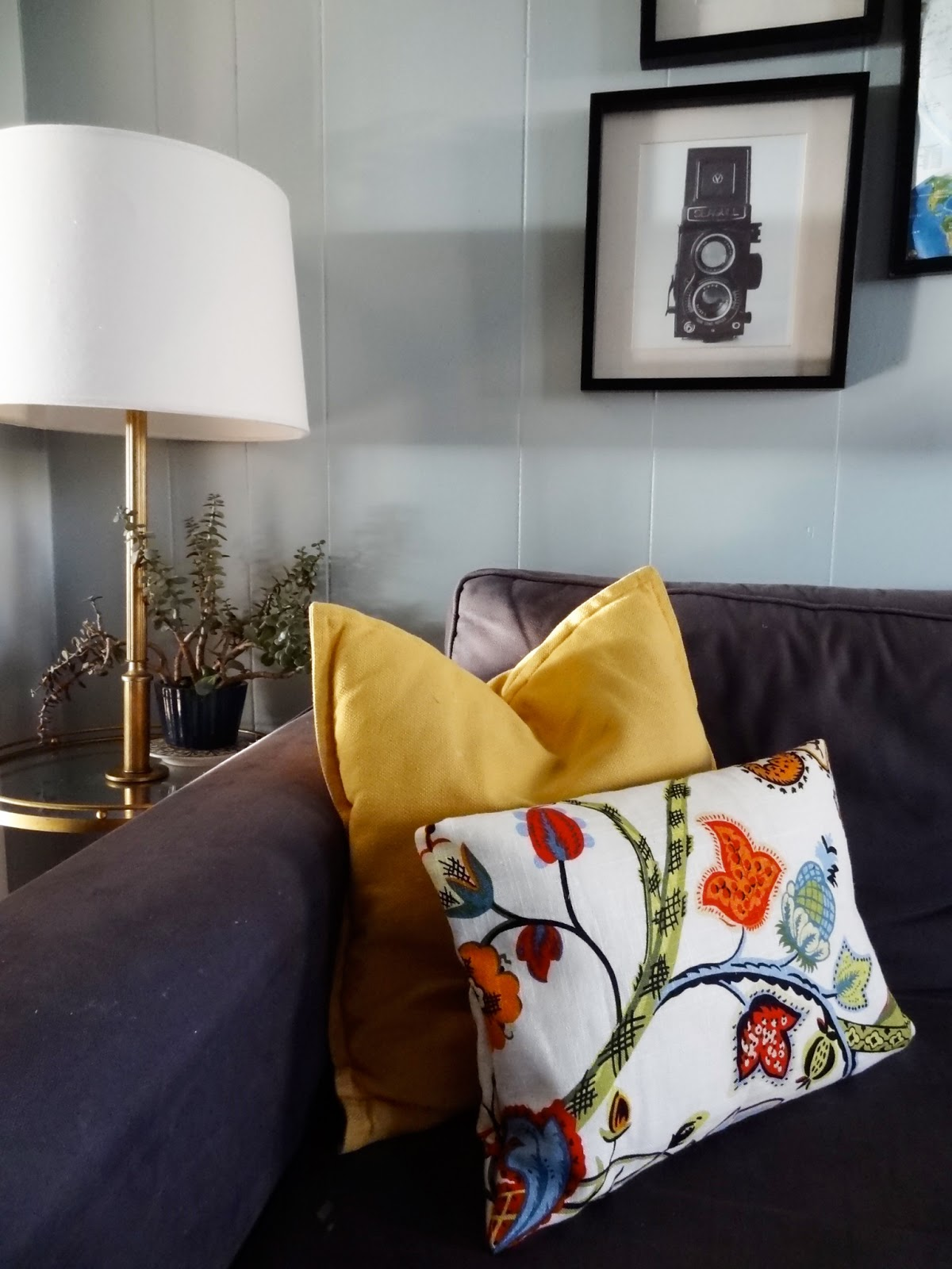 Home goods decorative pillow - These Envelope Style Pillow Covers Are The Perfect Use Of Leftover Fabric Giving My Simple Navy Sofa A Boost Of Color And Pattern