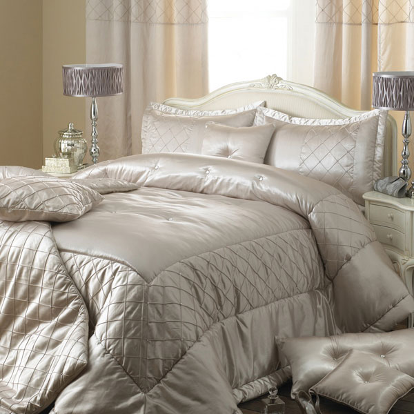 Modern furniture luxury modern bedding design 2011 collection - Look contemporary luxury bedding ...