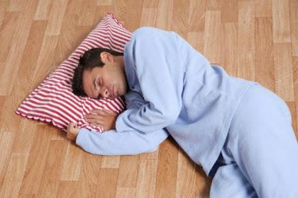 Kelebihan dan Kekurangan Tidur di Lantai