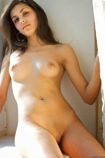 Actress ki nangi chut photos - Nude Indian Sexy Girls and Bhabhi Pictures & Photos