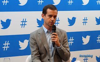 المدير التنفيذي لتويتر يمنح 200 مليون دولار لموظفيه !