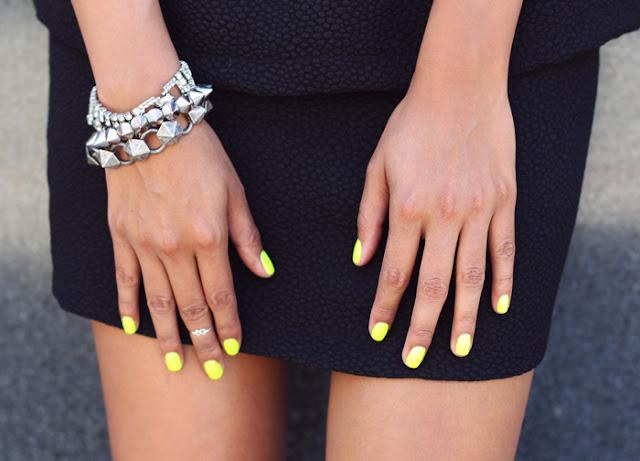 yellow neon streetstyle