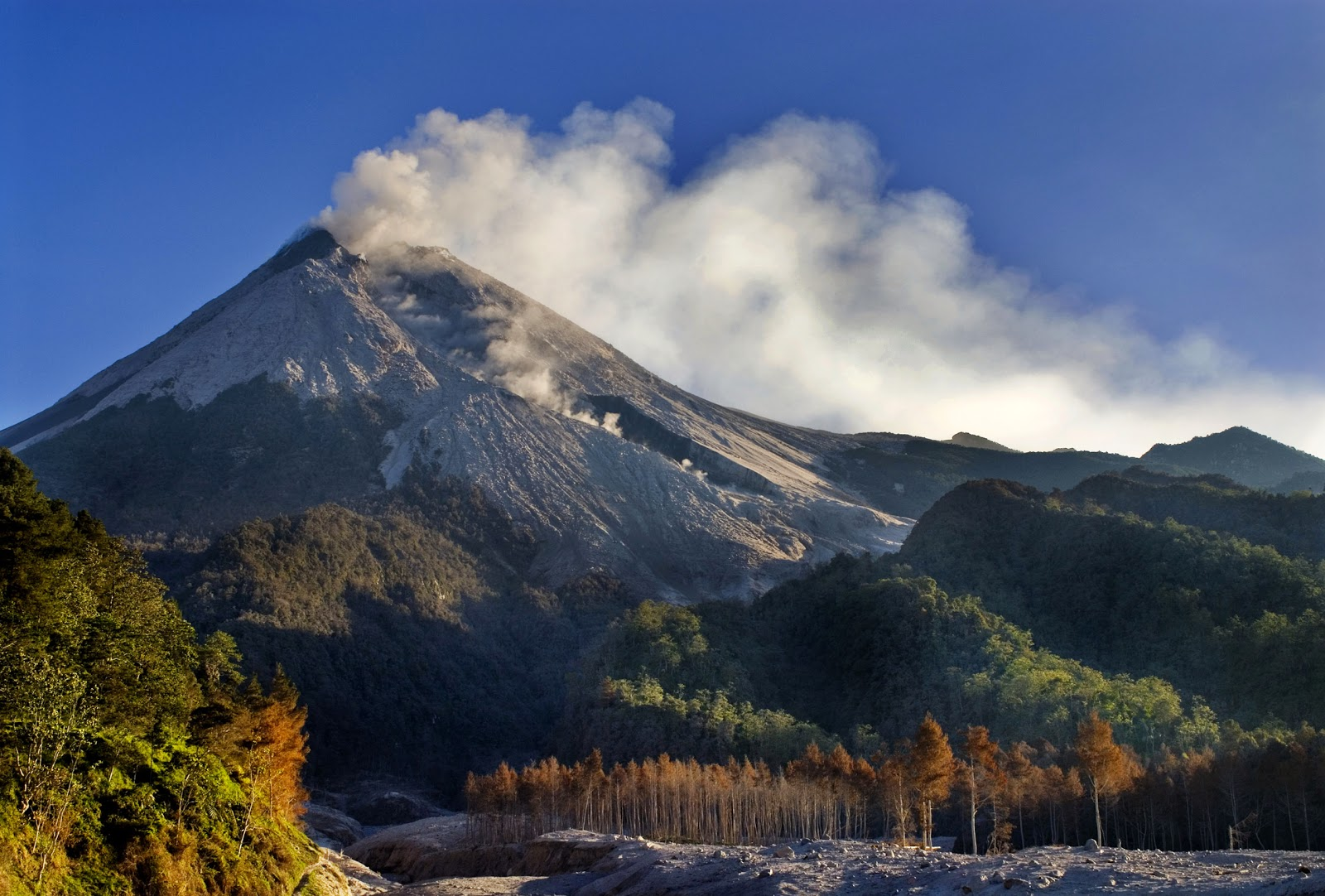 Gunung Merapi Sleman Yogyakarta Jawa Tengah