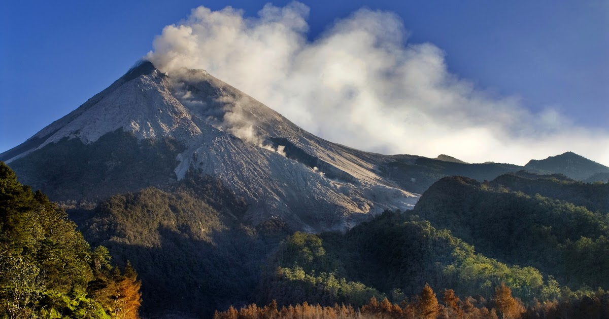 Gunung Merapi Sleman Yogyakarta Jawa Tengah | Berita ...