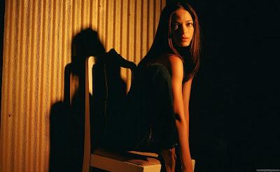 Kristin Kreuk Hollywood HD Wallpaper-22-1600x1200