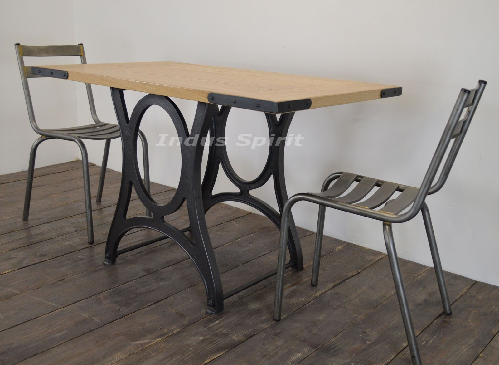 Petite table industrielle for Table industrielle