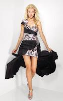 Ефектна къса рокля с бяла тигрова щампа и дълъг черен шлейф, дизайн Riva Designs
