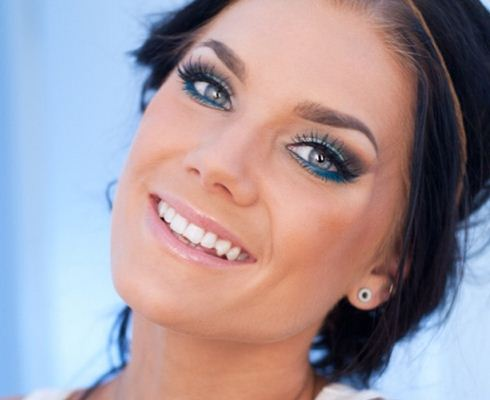 Maquillaje para fiesta de dia vestido azul