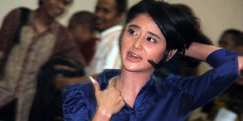 Dewi Persik Dipenjara 2 Bulan dewi+persik