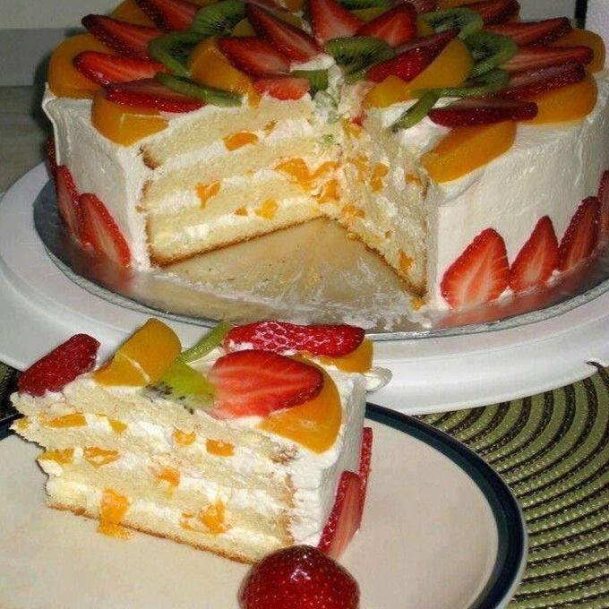 Pastel de tres leches con fruta
