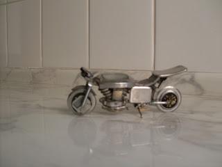 presente motociclista -Carlinhos Miniaturas Presentes Criativos