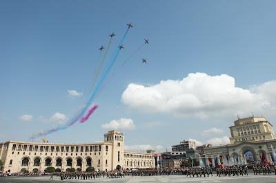 http://2.bp.blogspot.com/-w43U75fvkXs/Tnv1gBSwi7I/AAAAAAAAIs4/W0B-dhUxCUA/s1600/Armenian+Air+Force%252CArmenian+fighter.jpg