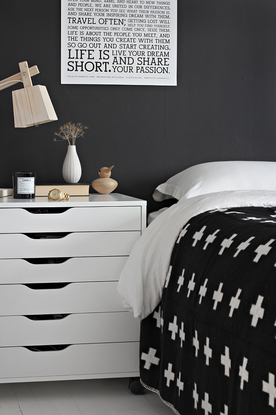 One Bedroom 4 Different Nightstands Stylizimo
