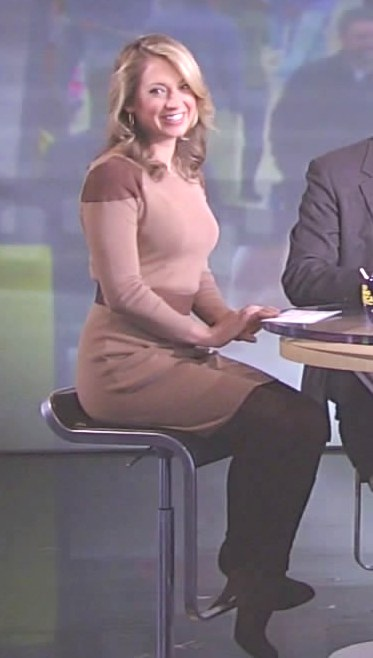 Ginger Zee Legs http://appreciationofbootednewswomen.blogspot.com/2011/11/ginger-wears-boots-her-second-day-on.html