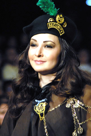 Zeba Bakhtiar Wedding http://pashto-cinema.blogspot.com/2011/06/pakistani-actress-zeba-bakhtiar.html