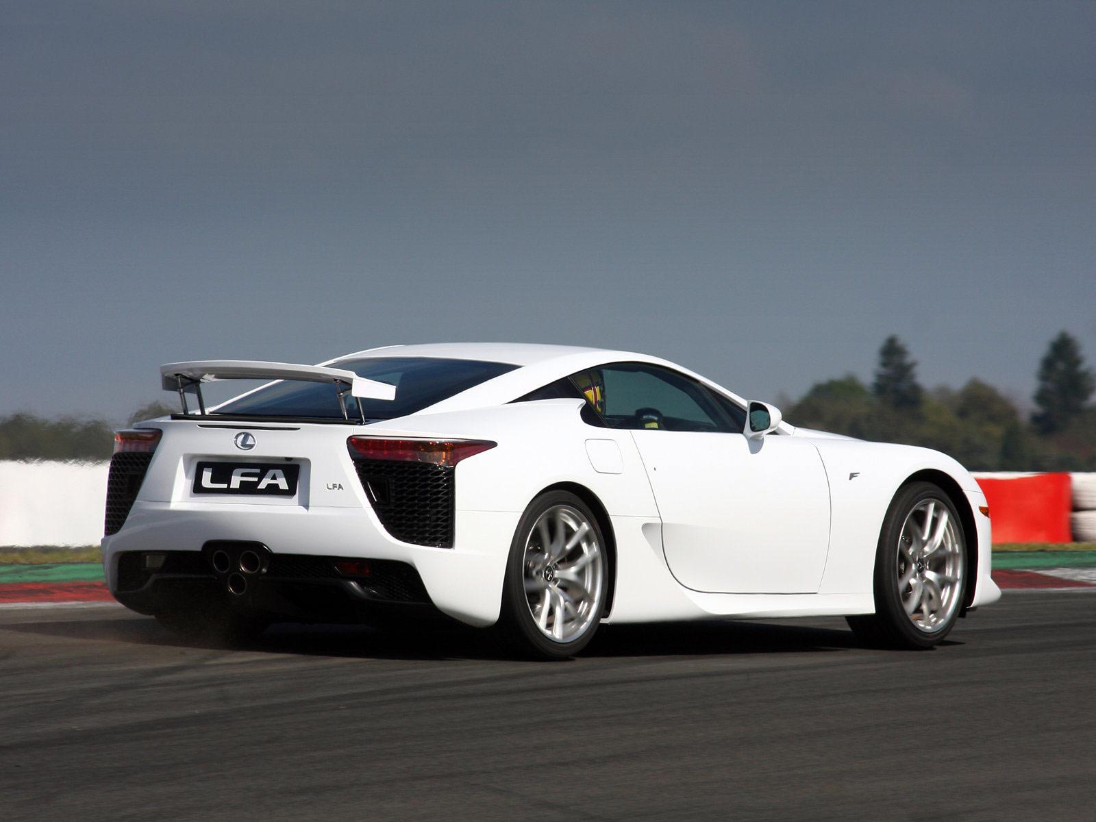 http://2.bp.blogspot.com/-w4OQbvX2nF8/TknyqAoGiFI/AAAAAAAACgY/CINJ_IcMZ6s/s1600/Lexus-LFA_2011_JAPANESE-CAR-WALLPAPERS_0a.jpg
